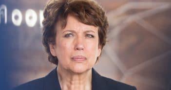 Roselyne Bachelot accueillie au Sénat par des applaudissements